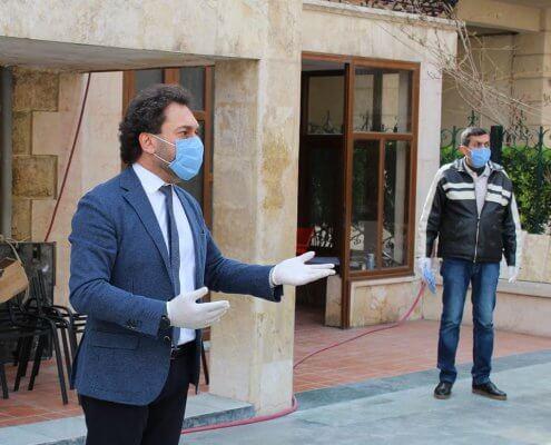 Pfarrer Harout Selimian gibt Instruktionen zur Corona-Krise
